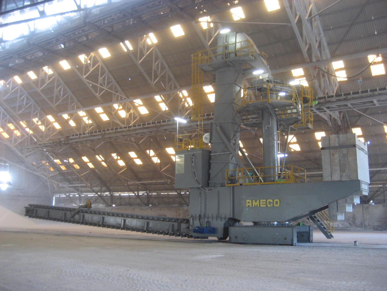 Fertilizer Equipment Manufacturer, Spreading fertilizer